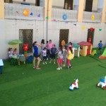 Giochi e balli in cortile